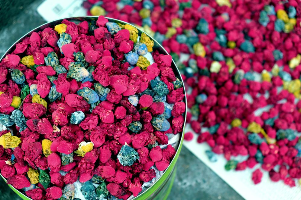 Dry flowers, Colors of the souk, 5 ways to explore Marrakech, Take time to immerse yourself in Jamaa el Fna square, Medina, Marrakech, Morocco