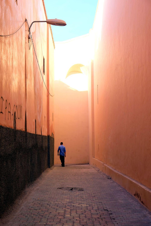 Narrow street, Naviguer entre la Médina et la ville nouvelle, Marrakech