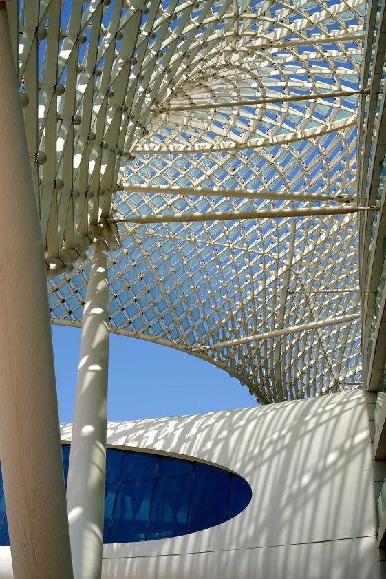 ABuDhabi-hotel-yas-roof
