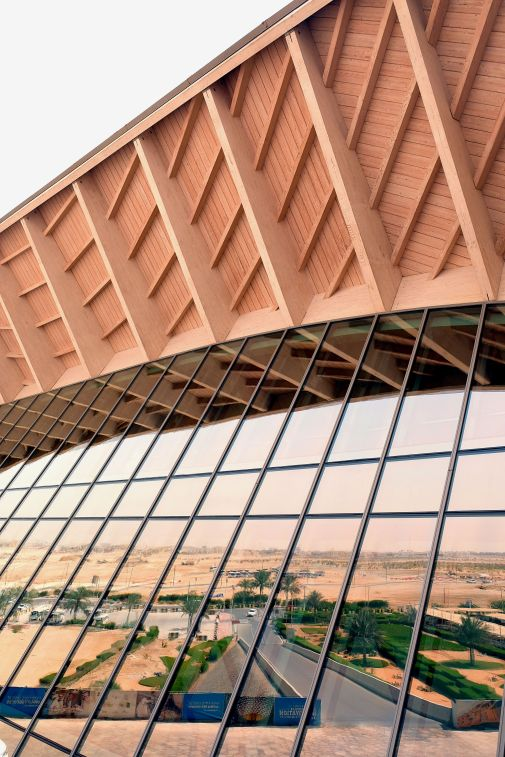 AbuDhabi-Masdar-architecture-desert
