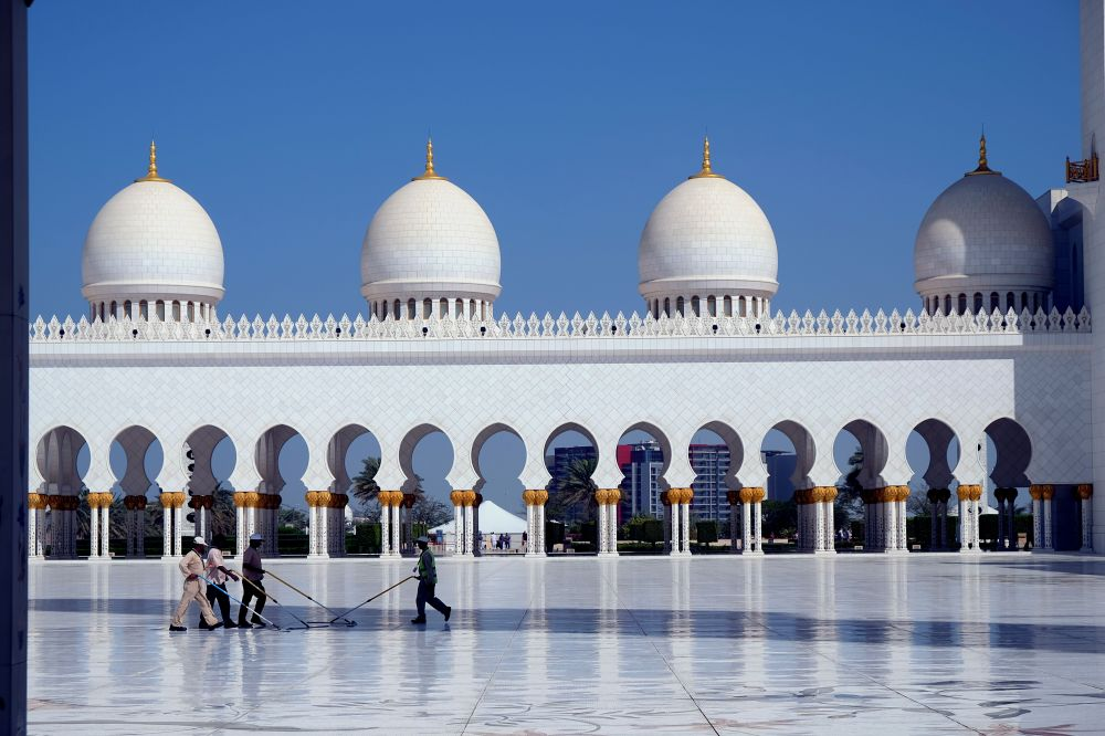 AbuDhabi-Mosque-Cleaning