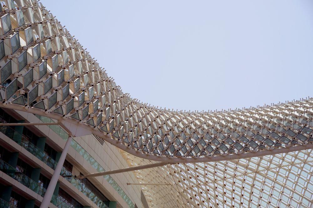 AbuDhabi-Yas-Hotel-curved
